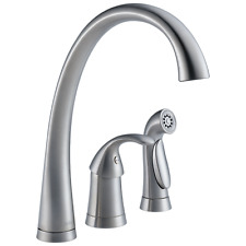 Delta Single Handle Kitchen Faucet with Spray - 4380-AR-DST
