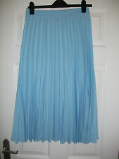ladies pleated skirt from Riddella sizes 12,14, in pale blue L33 (692)