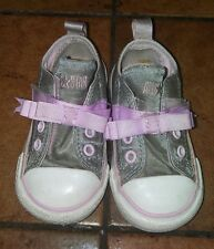 Toddler Girl Gray Pink Bow Converse All Star Low Top Chucks/Sneakers. Size: 5