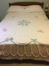 VINTAGE CHENILLE FLORAL BEDSPREAD...FULL/QUEEN