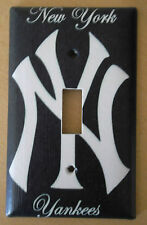 NEW YORK YANKEES LIGHT SWITCH COVER PLATE