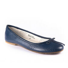US 6-10 GENUINE LEATHER Flats leather lining. VERY COMFORTABLE!!!