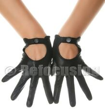 WOMEN'S BLACK LEATHER PERFORATED DRIVING GLOVES LES DEBUTANTES