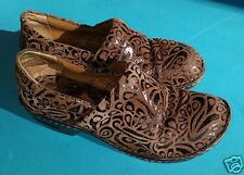 B.O.C. Brown Tooled Leather Peggy Closed Clog Size 7 / 38 boc Born Concepts NICE