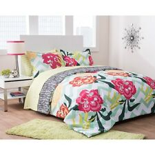 Formula Floral Fusion Reversible Complete Bedding Set. Brand New