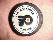 Nice  PHILADELPHIA FLYERS Official NHL - HOCKEY PUCK