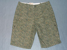 NWT Mens Levis Relaxed Fit Camouflage Cargo Shorts Size 30 - MSRP $50