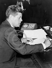 1962 JOHN KENNEDY CUBAN MISSILE CRISIS PHOTO
