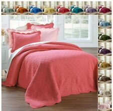 Cotton Oversized Quilted Bedspread with Scalloped Border in Twin Full Queen King