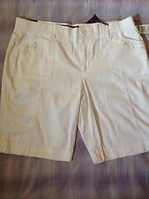 Gloria Vanderbilt  plus size white walking/ bermuda shorts embelished pockets