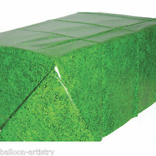 1.37m x 2.6m Tropical Green Grass Football Golf Summer Party Plastic Table Cover