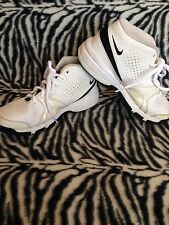 Nike Light ~ Youth Size 7 ~ Great pre-owned cond !