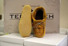 AUTHENTIC TECUMSEH CANADA INDIAN TAN SUEDE OUTDOOR MOCCASINS SZ's 6 - 9