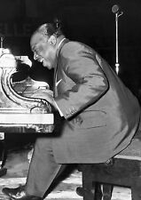 Art print POSTER Count Basie Playing Piano