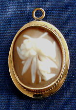 VINTAGE GOLD CARVED FLORAL CAMEO Ladys Oval PIN PENDANT