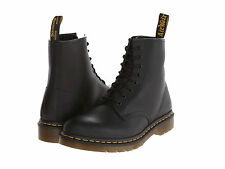 Men Dr. Martens 1460 Hi Top  8 - Eye 11822003 Black Greasy 100% Authentic B. New
