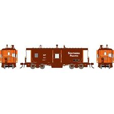 Athearn ATHG63354 HO-Scale Bay Window C-50-7 Caboose, Southern Pacific #4621