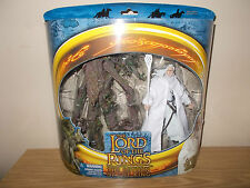 """LORD OF THE RINGS TOY BIZ GANDALF THE WHITE AND TREEBEARD FIGURES BOXED """"RETURN'"""