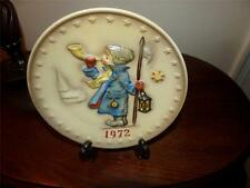 "1972 M.J. HUMMEL 2ND ANNUAL PLATE ""THE ADORATION"" 'Hear Ye, Hear Ye'"