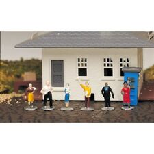Bachmann BAC42332 HO-Scale Standing Figures (6) Men and Women
