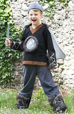 NEW DELUXE BOYS KIDS VIKING MEDIEVAL FANCY DRESS COSTUME HELMET HAT AND DAGGER