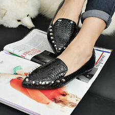 2014 Perfect New retro rivet crocodile shoes pointed flat shoes to help low SH