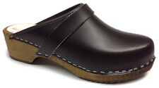AM-Toffeln 100 Wooden Clog in brown leather