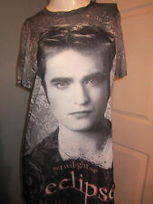 HOT TOPIC: Twilight Saga Eclipse Edward Allover Print Girls T-Shirt