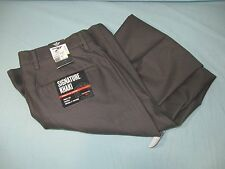 NWT Dockers Signature Khaki Black Flat Front D2 Straight Fit  Men's Pants
