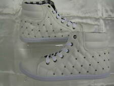 Ladies Unbranded cream lace up ankle shoes