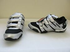 New Women's Throwdown TD-002 MMA Victory Boxing Shoes - Black/Silver (3-I1)