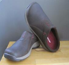 BRAND NEW MERRELL 'ENCORE' SLIP ON LEATHER MULES ESPRESSO/BLUSHING SIZE 7.5M(38)