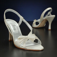 "Salon ""Selena"" White or Ivory Wedding Shoes"