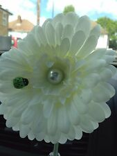 vw beetle/universal. VW gerbera pearl and ladybird dash board bud vase flower