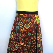 Ladies sizes 8 to 10 wrap around skirt - retro flower print -daisy floral brown