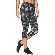 NWT Women's Under Armour HeatGear Armour Printed compression capri size S or M