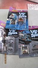 Johnny Lightning LOST INSPACECLASSIC SERIES SET 3 FIGURES-SPACE POD(2), ROBOT-B9