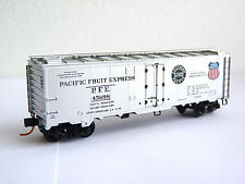 N - Micro-Trains MTL 40' Steel Ice Reefer - Pacific Fruit Express PFE 45698