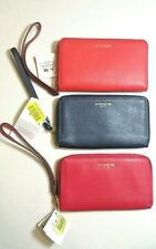 NWT COACH 64976 ZIP WRISTLET UNIVERSAL PHONE CASE in 2 Colors Retail $68