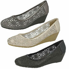 LADIES SPOT ON MESH COURT SHOES WITH WEDGE HEEL (3 COLOURS) F9874