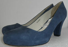 NEW CLARKS NAVY SUEDE  CLOSED TOES SLIP ON SHOES UK SIZE 5D