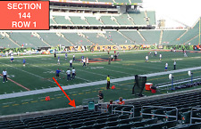 4 Front row Indianapolis Colts at Cincinnati Bengals tickets in sec 144 row 1