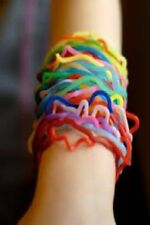 ORIGINAL (FIRST RUN) OF SILLY BANDZ 24 PACK CHOICE OF ANIMALS, ZOO FUN SHAPES