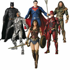 DCJustice MAFEX The Flash Aquaman Wonder Woman Batman Superman Action Figure Toy