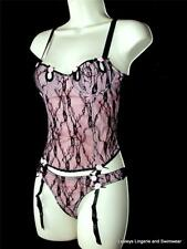 PINK BLACK LACE UNDERWIRED BONED BASQUE CORSET TOP THONG SUSPENDERS SET NEW