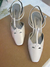 Ros Hommerson New Posh  Womens Shoes /Heels 2.5 inches MSRP $80