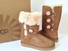 UGG Women's BAILEY BUTTON TRIPLET fashion boots ( Chestnut ) US size 7
