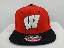 WISCONSIN BADGERS NCAA FLEX/FITTED HAT (XL, M/L) SIZE NEW CAP BY ZEPHYR (D43)