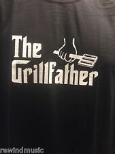 MENS 'THE GRILLFATHER'   T SHIRT FRUIT OF THE LOOM BBQ BARBECUE T SHIRT