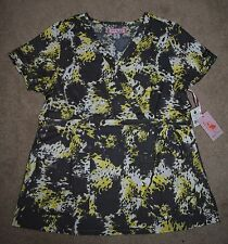 Brand New Koi by Kathy Peterson Womens KATHRYN Scrub Top Size Medium or Large